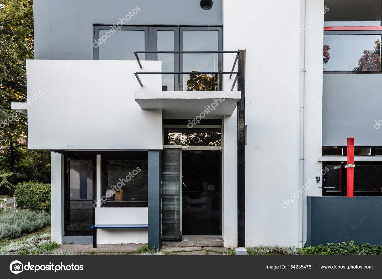 Das Schröder-Haus von Gerrit Rietveld in Utrecht, Niederlande ...