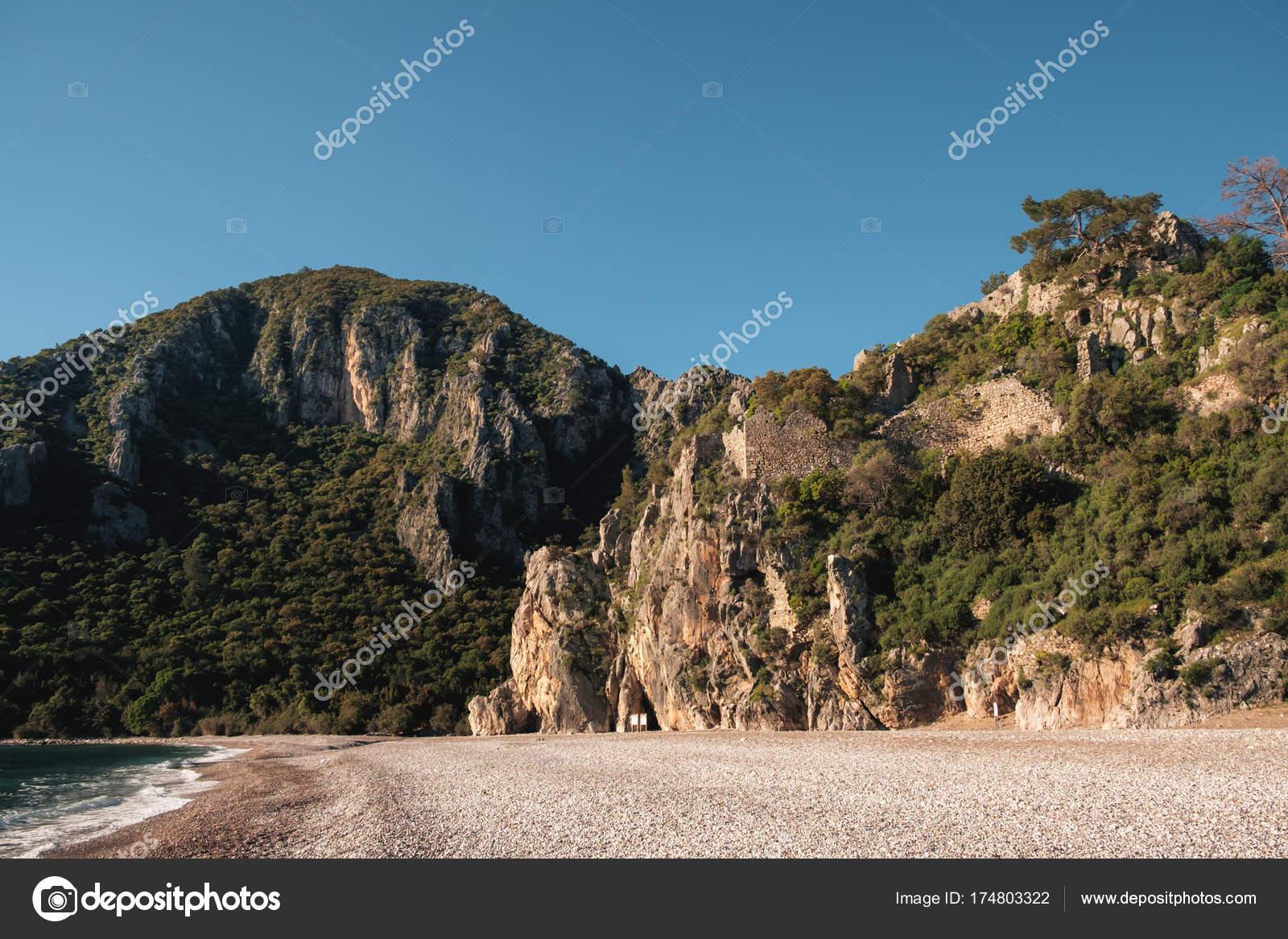 Untouched by civilization picturesque beaches of Crimea 44