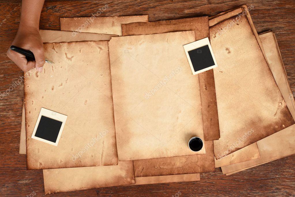 Altes Papier und Stift mit Fotorahmen — Stockfoto © nimon_t #127639416
