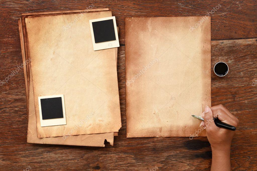 Altes Papier und Stift mit Fotorahmen — Stockfoto © nimon_t #127639442