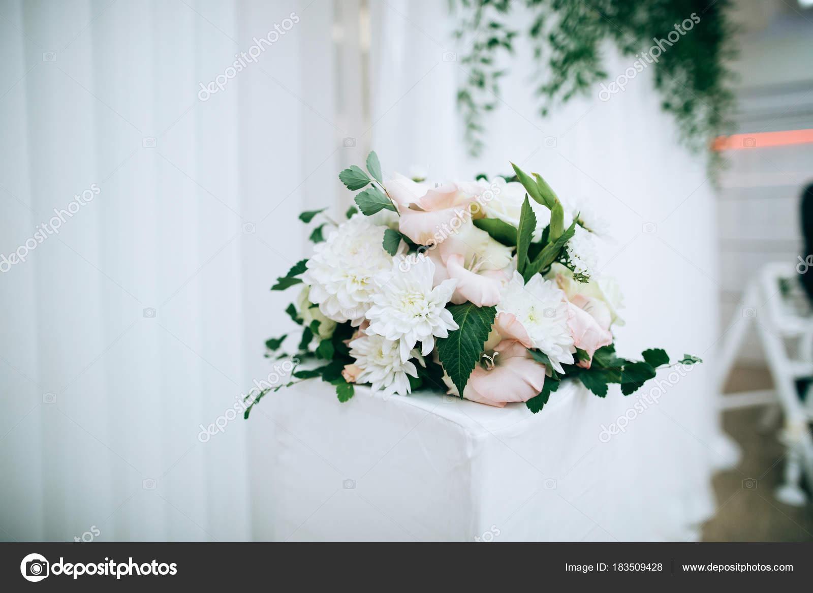 Schone Hochzeitsblumen Dekoration Stockfoto C Beorm 183509428