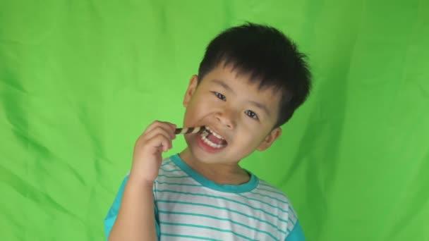 video-asian-boy