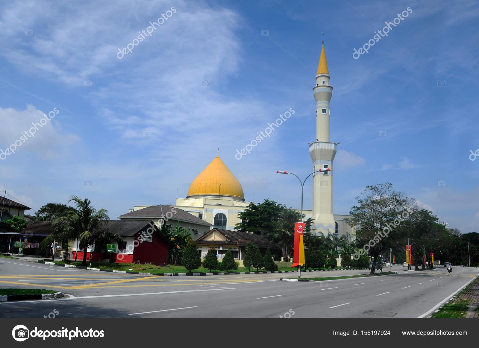 Exterior Masjid Jamek Sultan Abdul Aziz Petaling Jaya Malaysia Modern Stock Editorial Photo C Aisyaqilumar 156197924