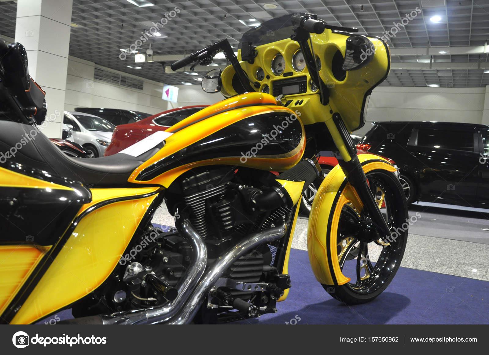 rassemblement de custom harley davidson moto photo ditoriale aisyaqilumar 157650962. Black Bedroom Furniture Sets. Home Design Ideas