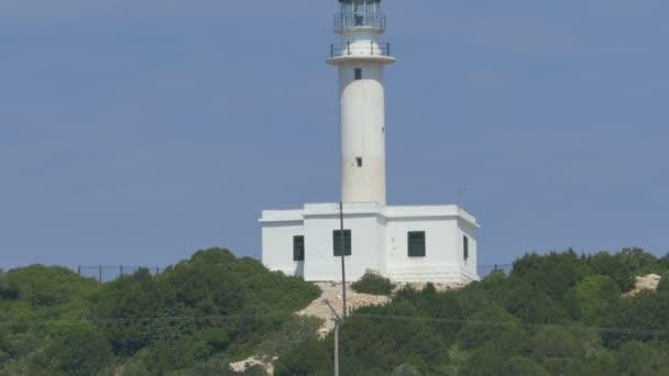 Leuchtturm vom Meer aus gesehen