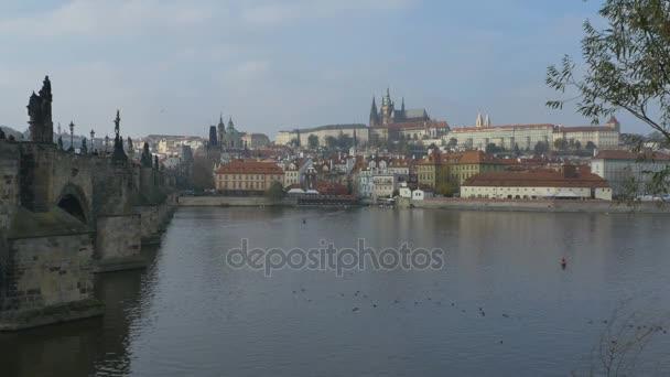 Pohled na Vltavě v Praze.