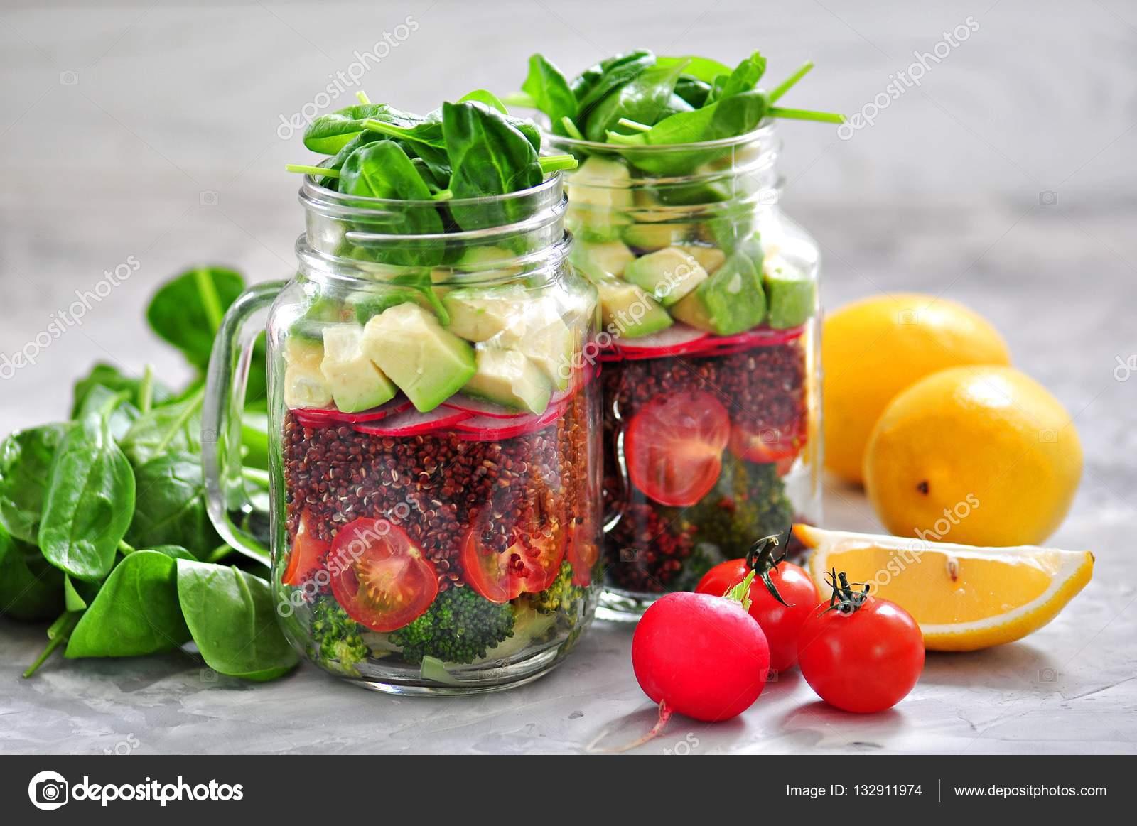 салат с киноа и авокадо здоровый салат с киноа авокадо помидоры