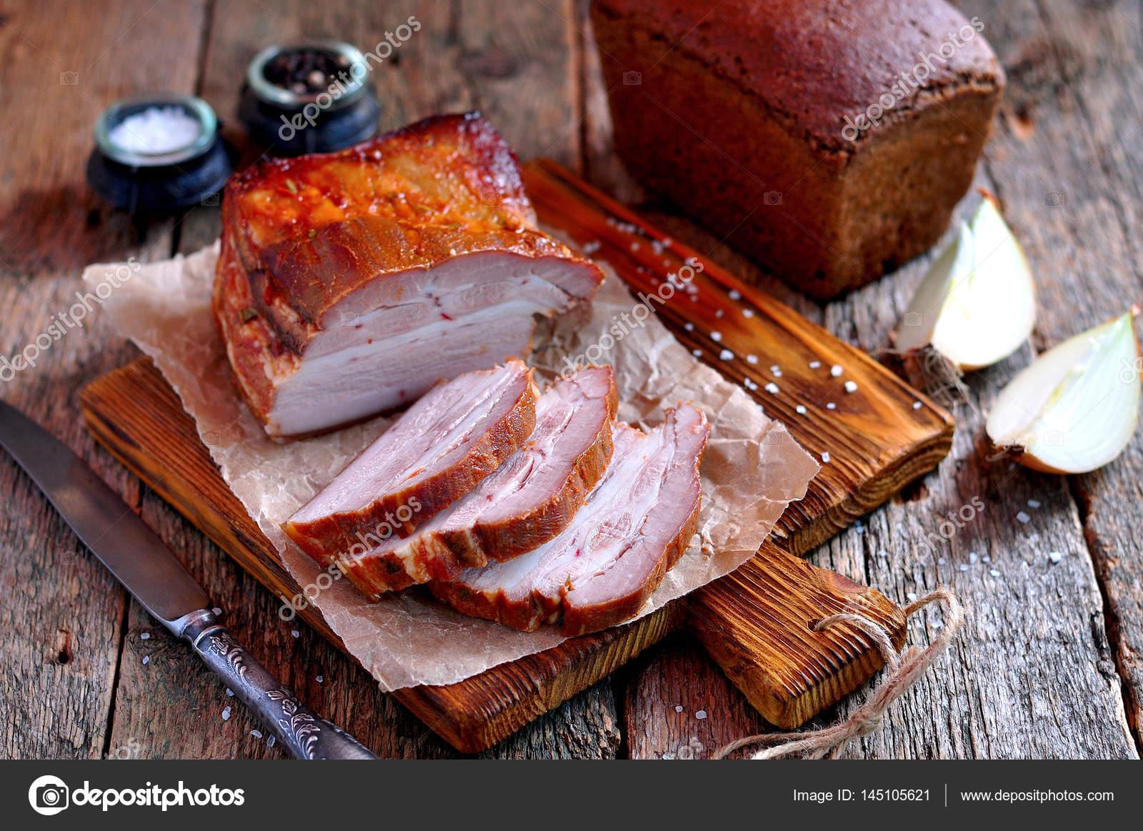 Грудинка свиная в соусе