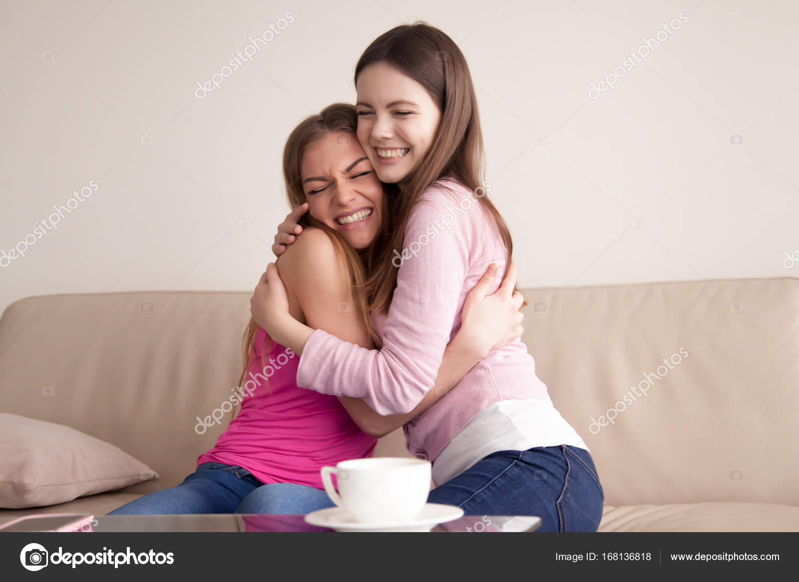 Dating vriendinnen zus hook up op cruises zeeën