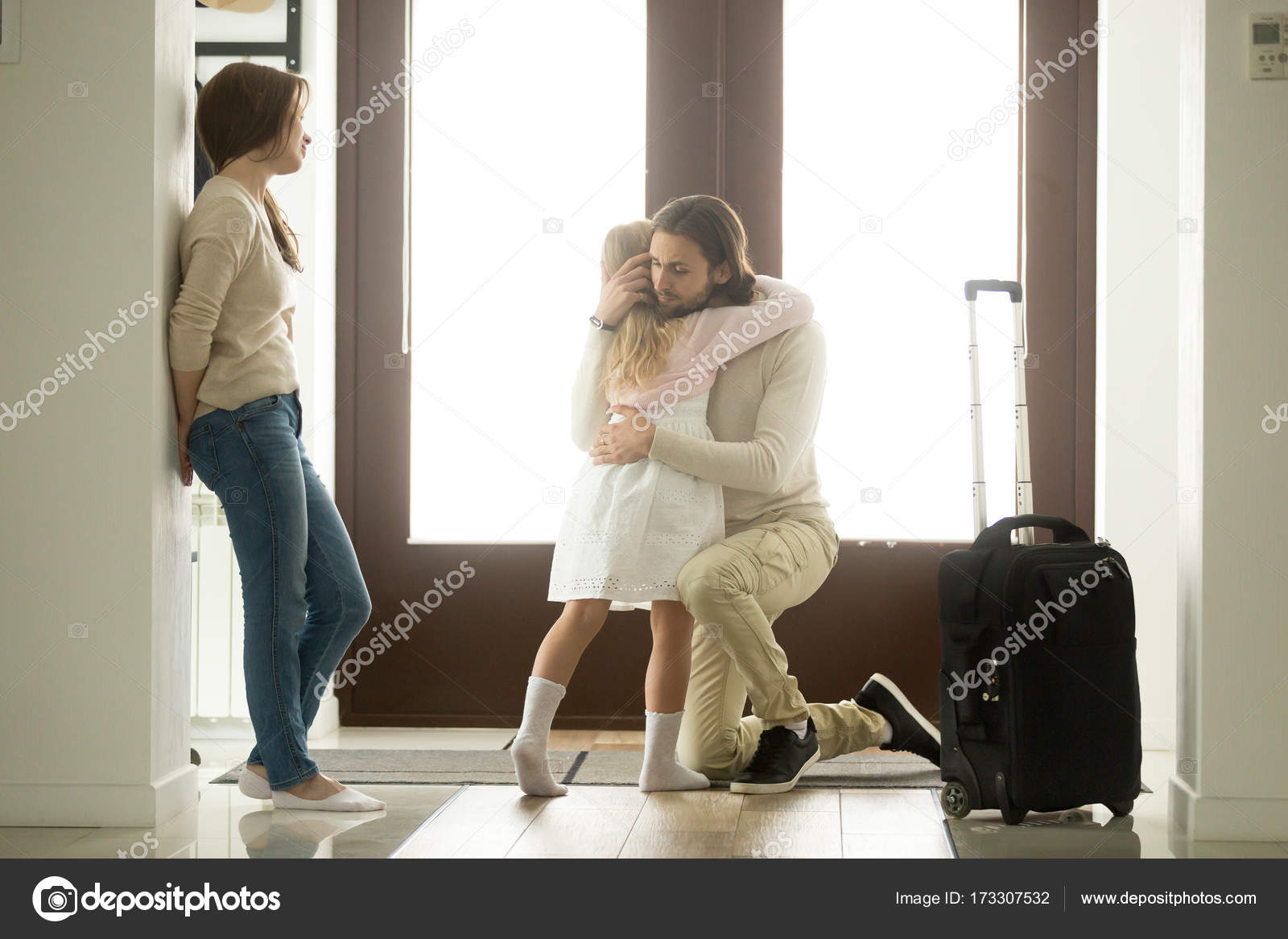 Imágenes Padre E Hija Tristes Triste Padre Abrazando A Hija Poco