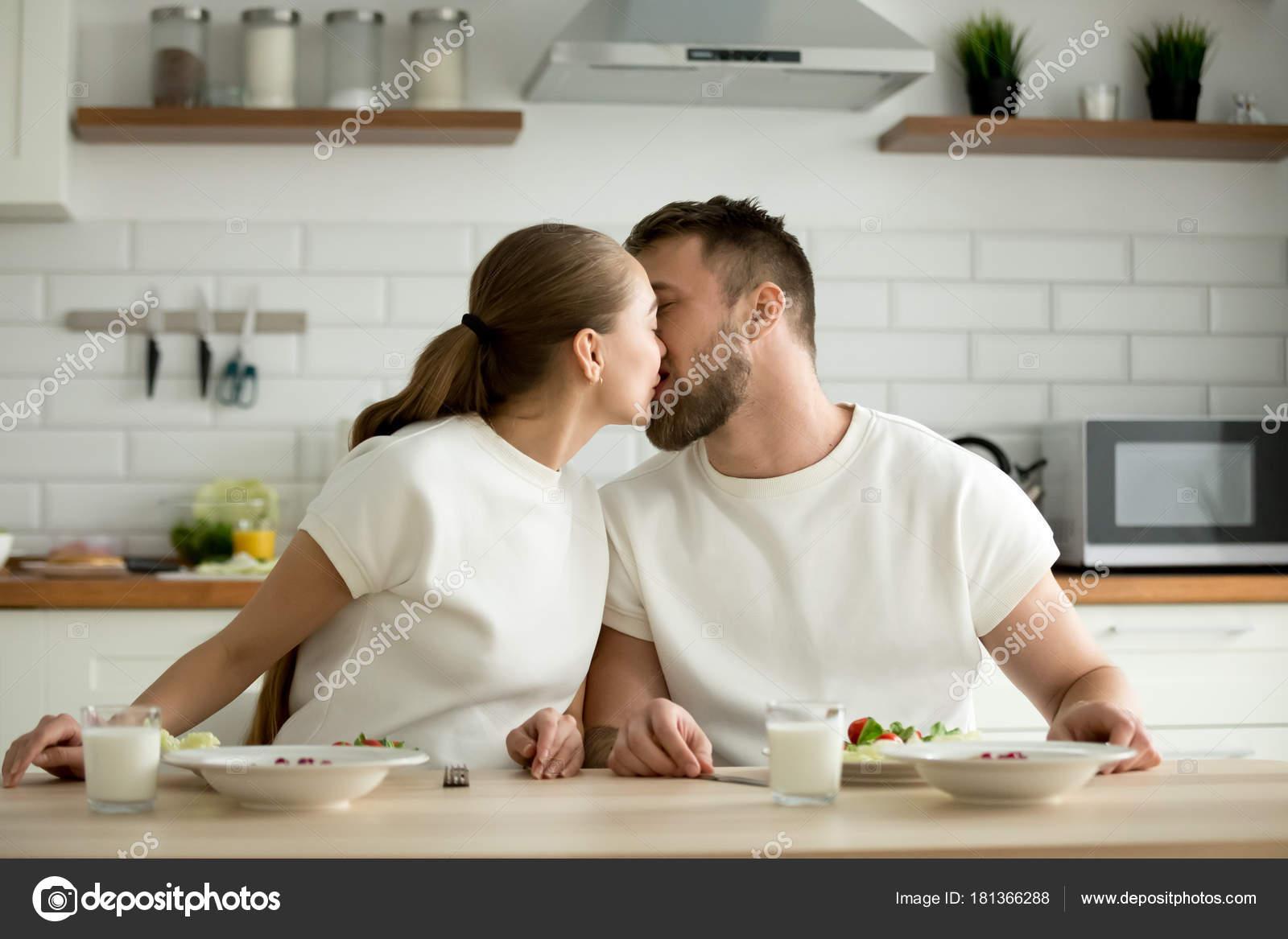 Ανάγνωση πόσιμο και dating online