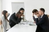 Zdůraznil mnohonárodnostní tým myšlení, řešení problémů ve skupině