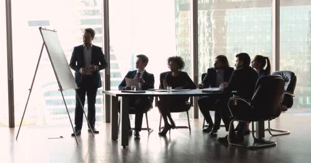 Obchodník konference mluvčí dát flip chart prezentace výuka tým lidé