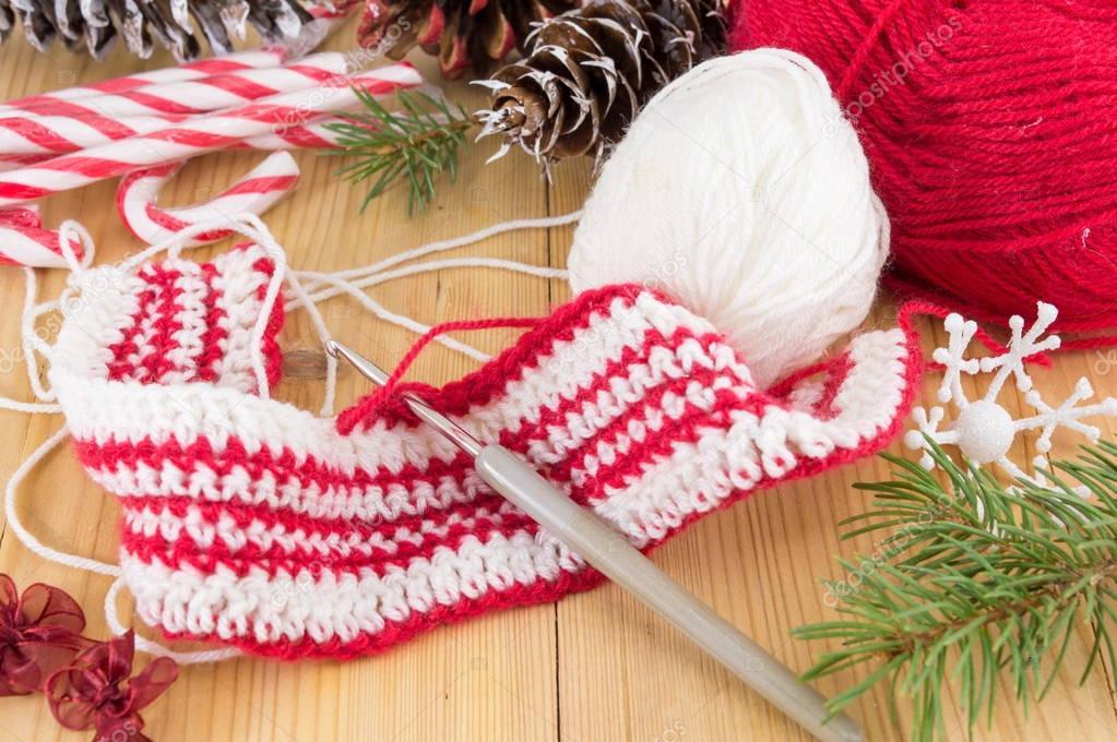 Winter Rot Weißen Pullover Häkeln Stockfoto Creativefamily