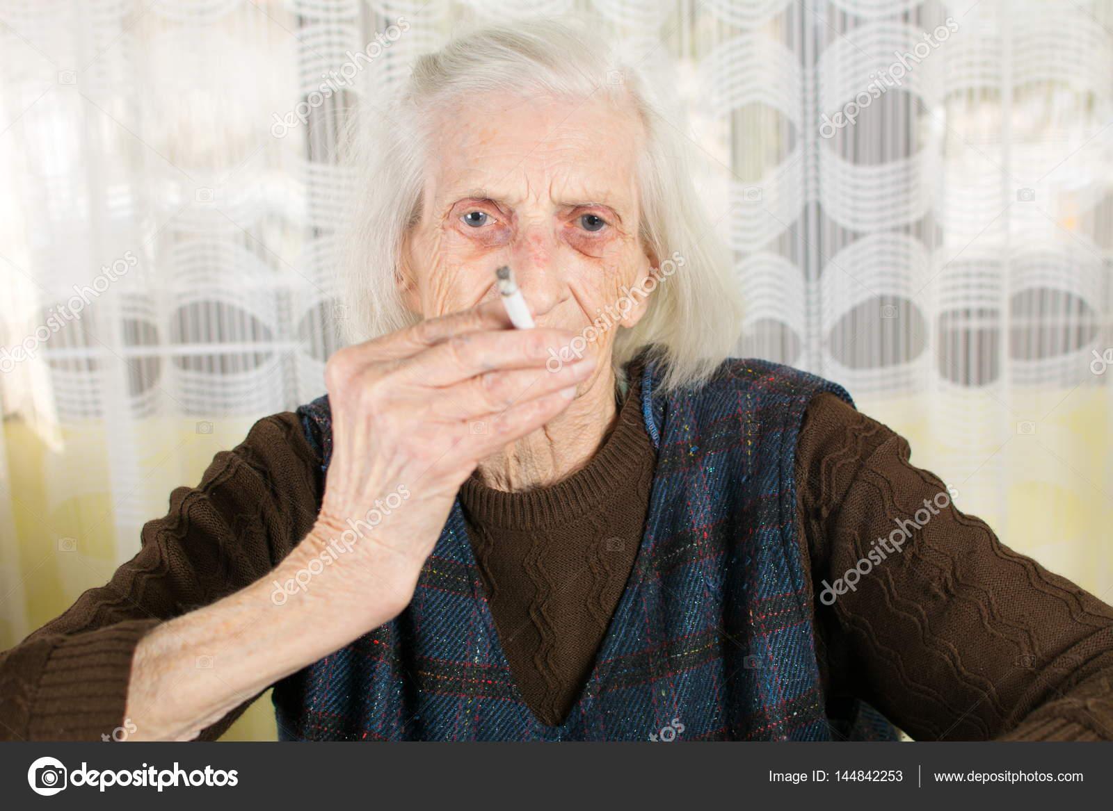 Ältere Oma Bilder