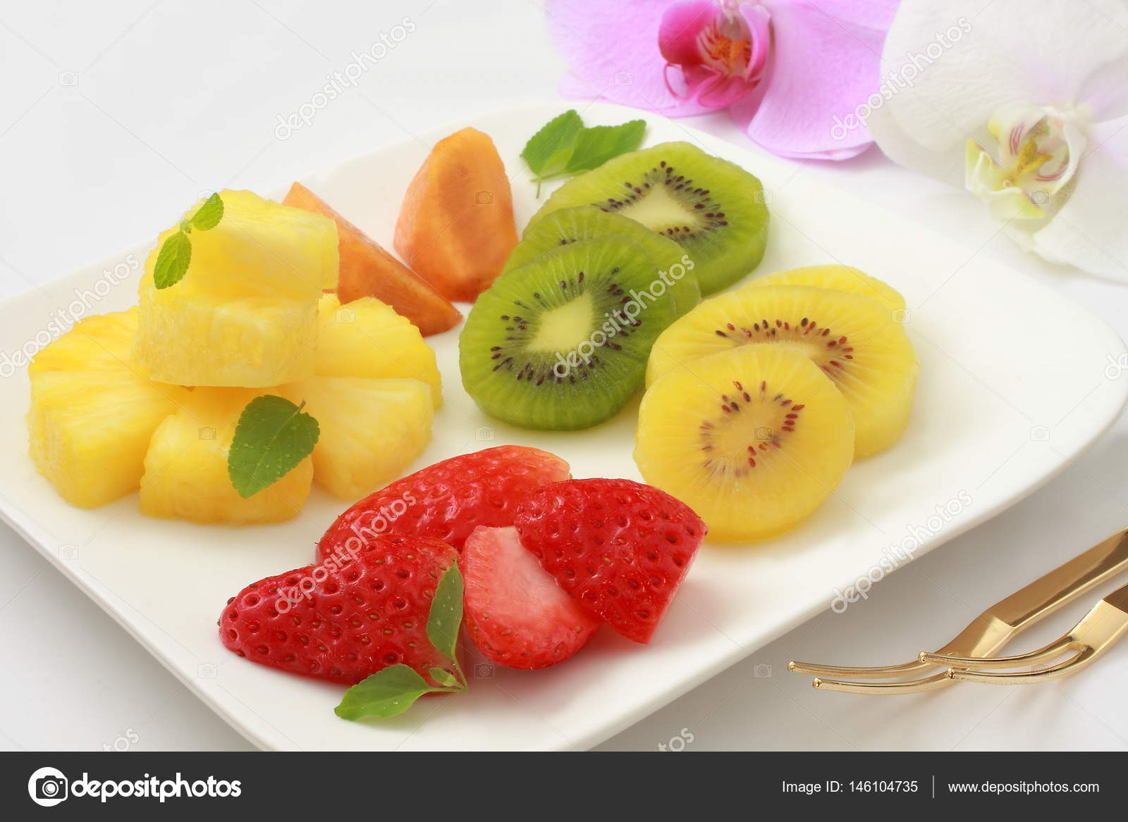 Hilo Chat para hablar de todo. - Página 3 Depositphotos_146104735-stock-photo-assorted-cut-fruits