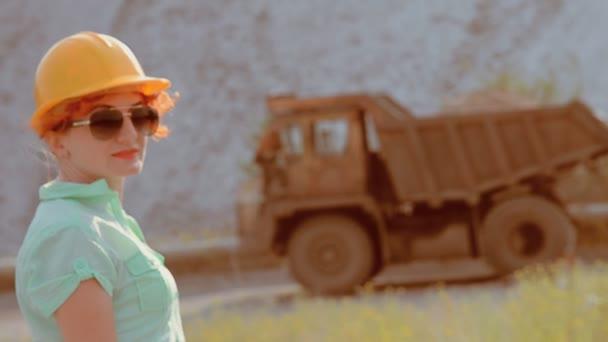 Žena je řidič kamionu.
