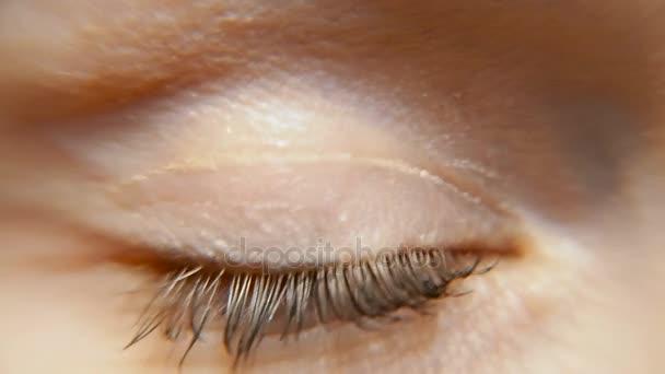Oko. Ženské oko. Makro fotografování