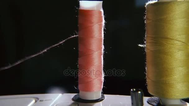 Nähmaschine und Nähwerkzeuge