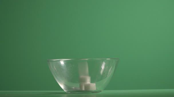 Rafinovaný cukr. Cukr v podobě kostek