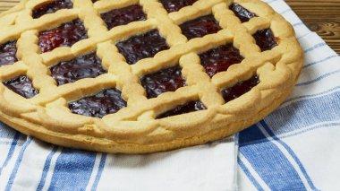 Italian cherry pie