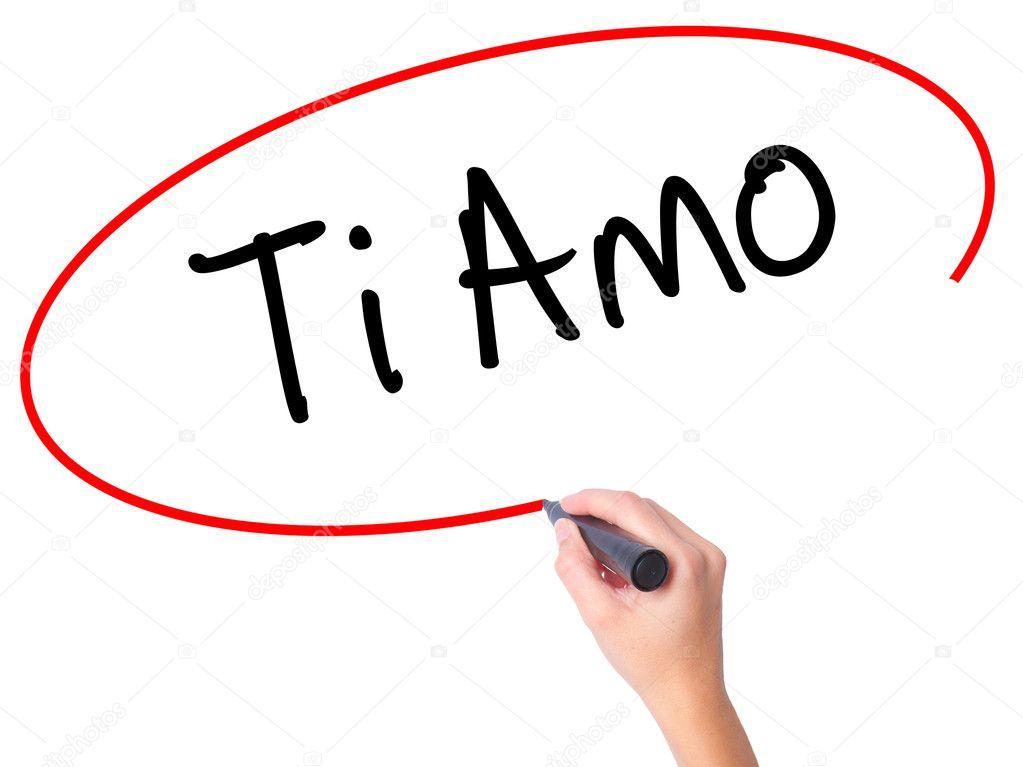 Donna Mano Scrivendo Ti Amo I Love è In Italiano Con Mar Nero
