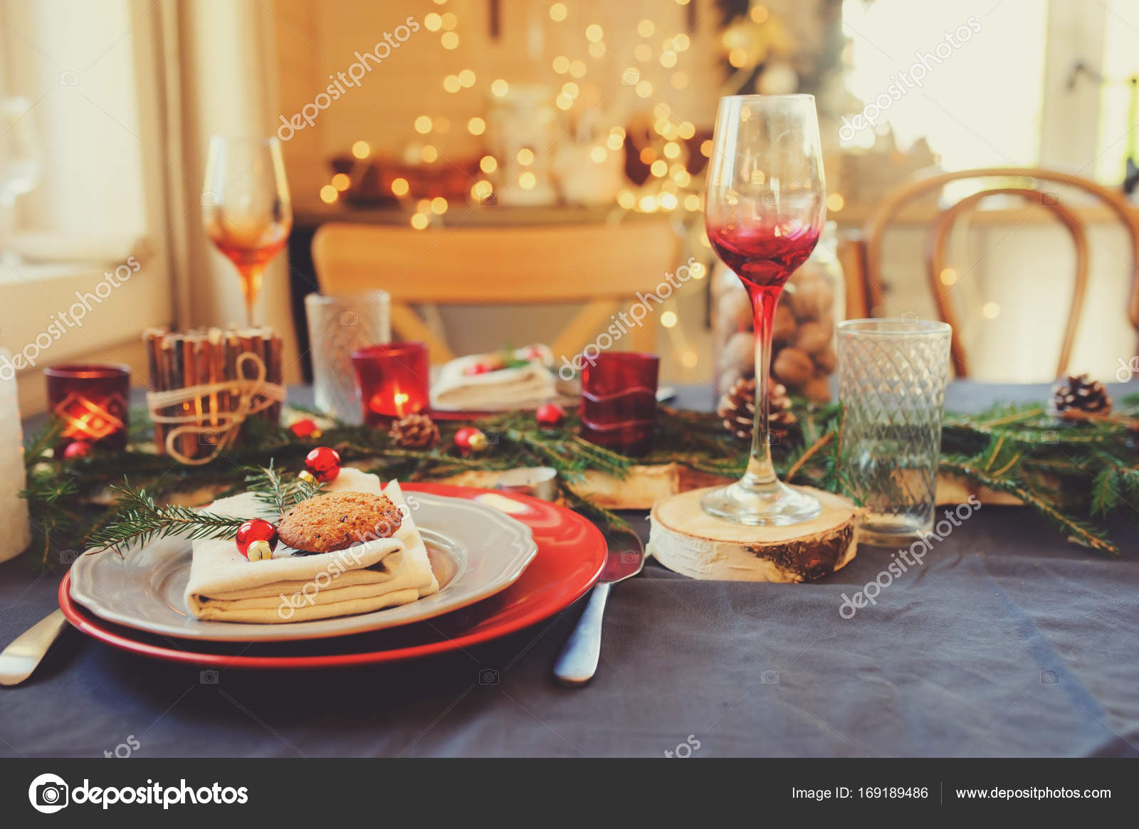 Tischdekoration Für Die Feier Von Weihnachten Und Neujahr Festlich