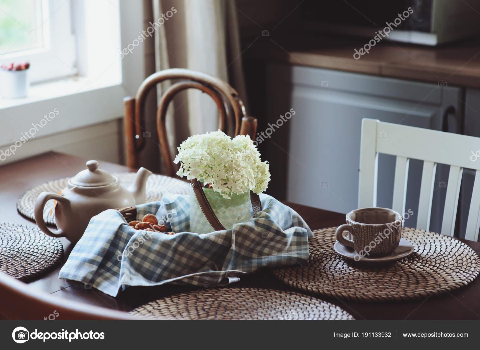Cuisine Maison Campagne confortable matin Été cuisine maison campagne rustique thé