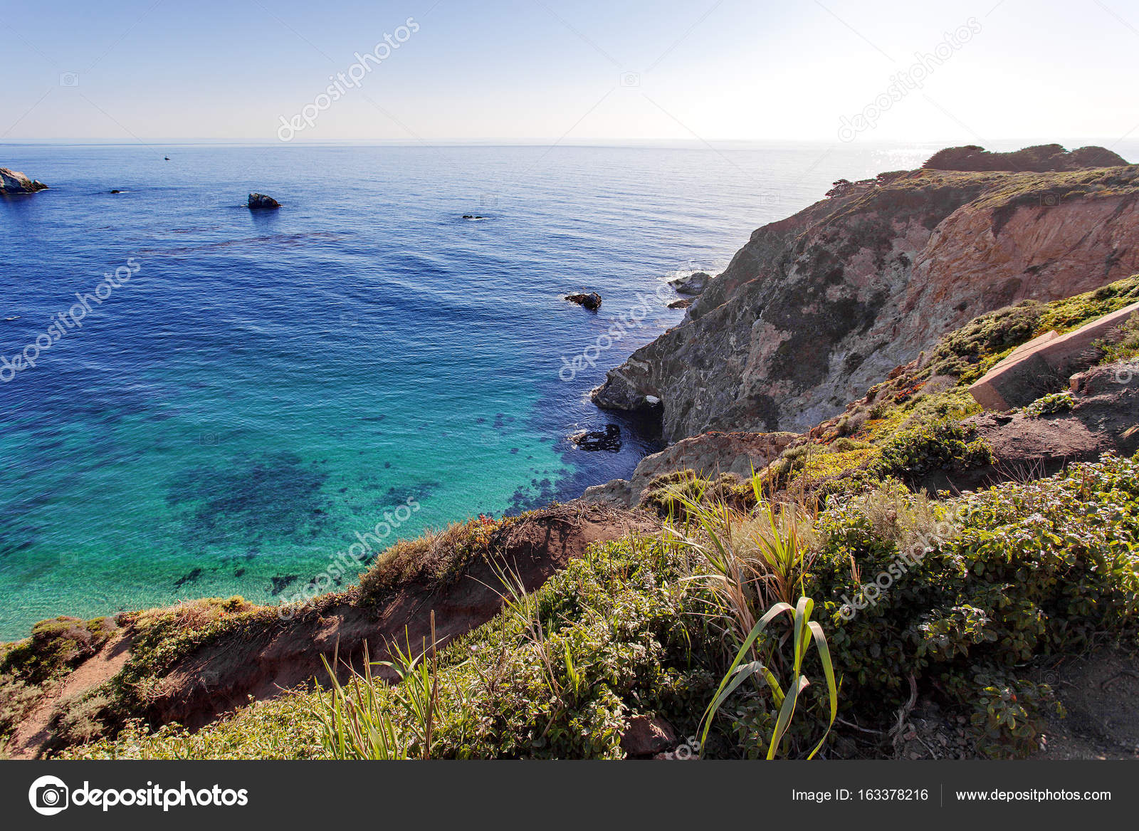 Pacific ocean california state route 1 pacific coast highway pacific ocean california state route 1 pacific coast highway nearby bixby creek bridge big sur area california united states photo by irinasen publicscrutiny Image collections