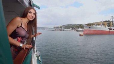 Фото девушек в платьях видео