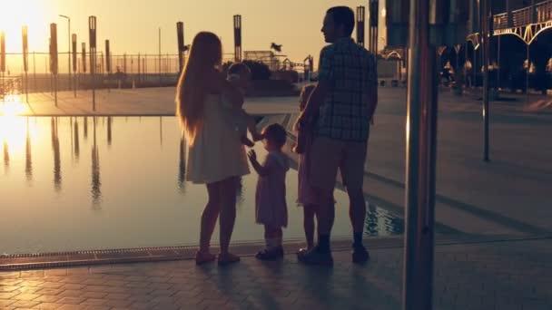 видеоролики счастливая семья скачать