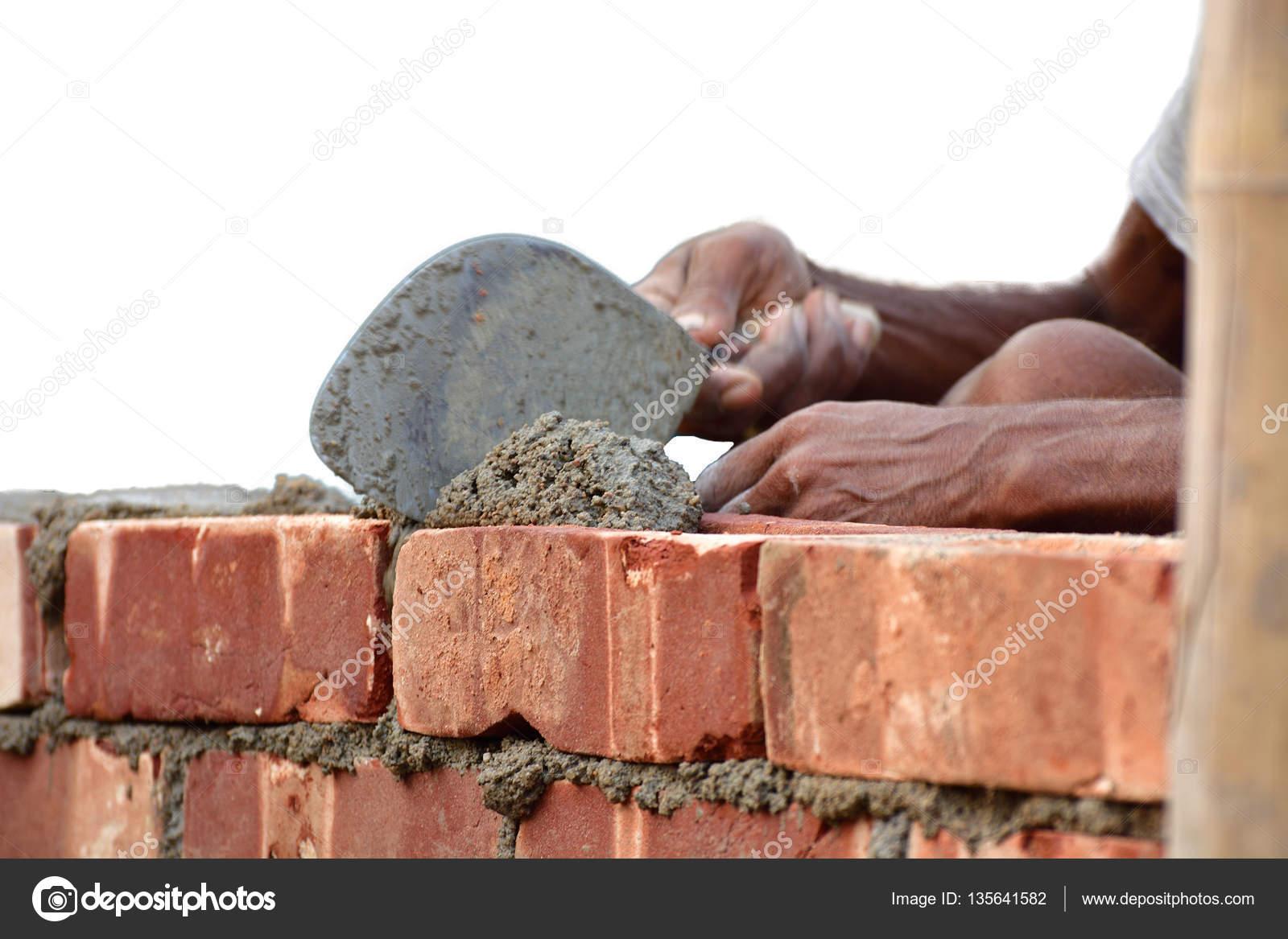 Costruire Un Muro Di Mattoni Foto Stock Sbhaumik 135641582