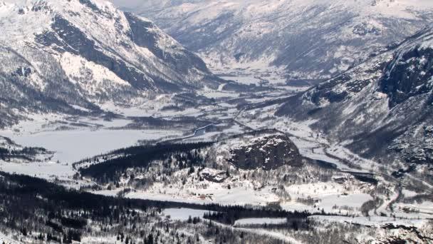 Zobrazit do údolí a hory v zimě ve městě Hemsedal, Norsko