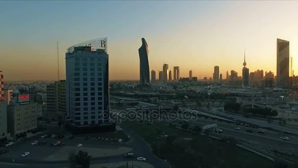 Kuvajt Panorama při západu slunce. Některá známá místa v Kuvajtu, Střelba z oblohy
