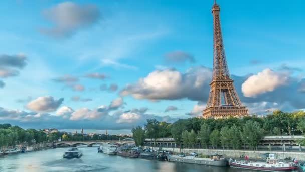 Eiffel Tower with boats in evening timelapse Paris, France