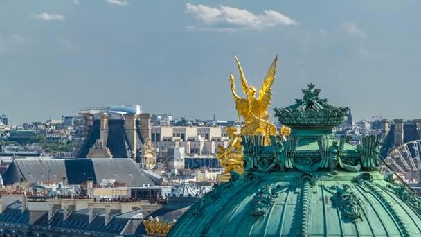 Pohled shora timelapse Palais nebo Opera Garnier národní hudební akademii v Paříži