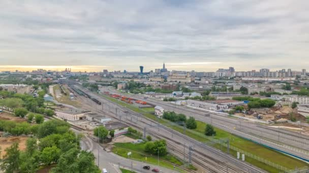 Moskva timelapse, večerní pohled Tverskoy a centrální části Moscows kroužky, doprava, auto světla