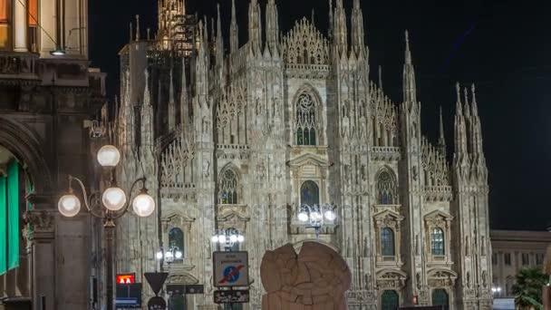 Duomo di Milano notte timelapse Duomo di Milano è la chiesa gotica Cattedrale di Milano, Italia.