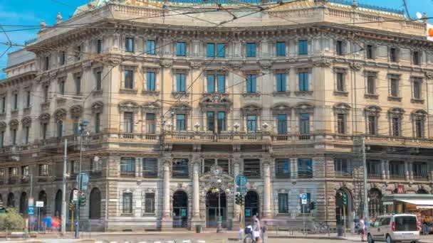 Cordusio-Platz mit Palast des italienischen Kreditzeitraums