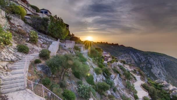 Sunrise timelapse pohled města Eze vesnice na Francouzské riviéře