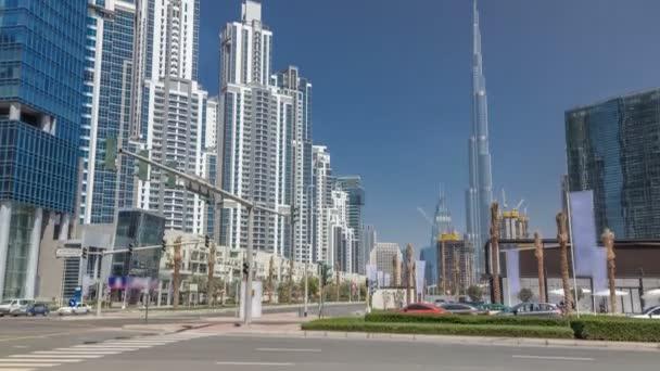 Timelapse pohled na obchodní záliv a centrum města část Dubaje