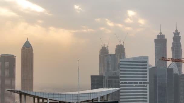 Hotel towers business bay v západu slunce letecké timelapse