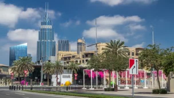 Úžasný výhled na panorama Dubaje timelapse. Rezidenční a obchodní mrakodrapů v centru města