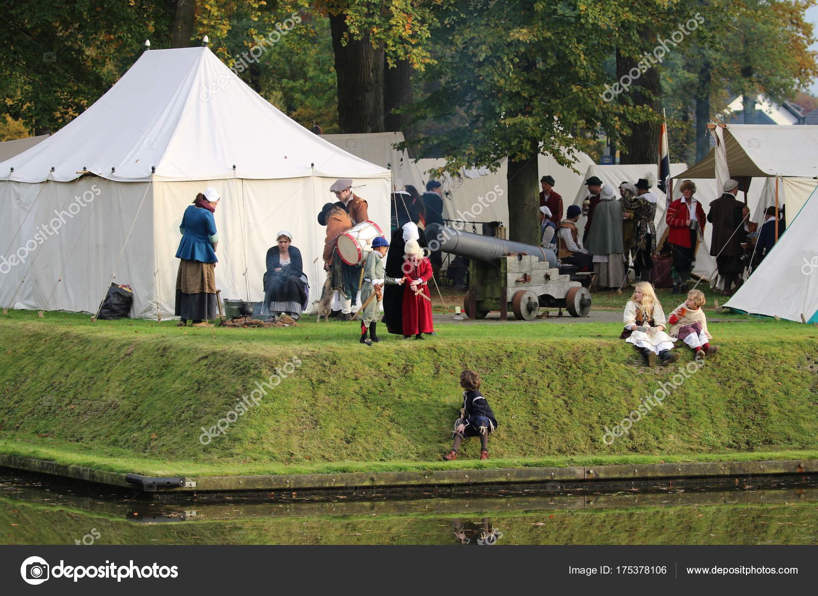 Groenlo Netherlands October 2012 Reenactment Battle Grolle Historic Battle Spanish u2014 Stock Photo #175378106 & Groenlo Netherlands October 2012 Reenactment Battle Grolle ...