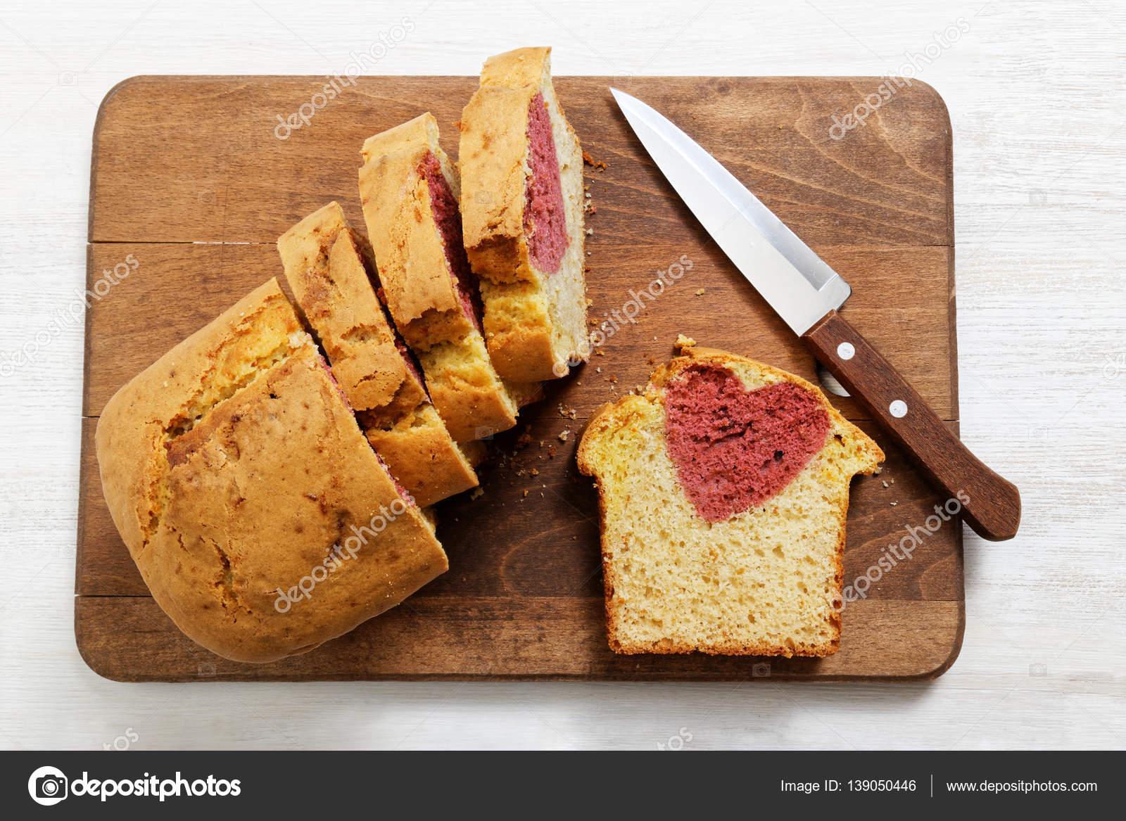 Hausgemachte Kuchen Mit Herz Im Inneren Fur Den Valentinstag