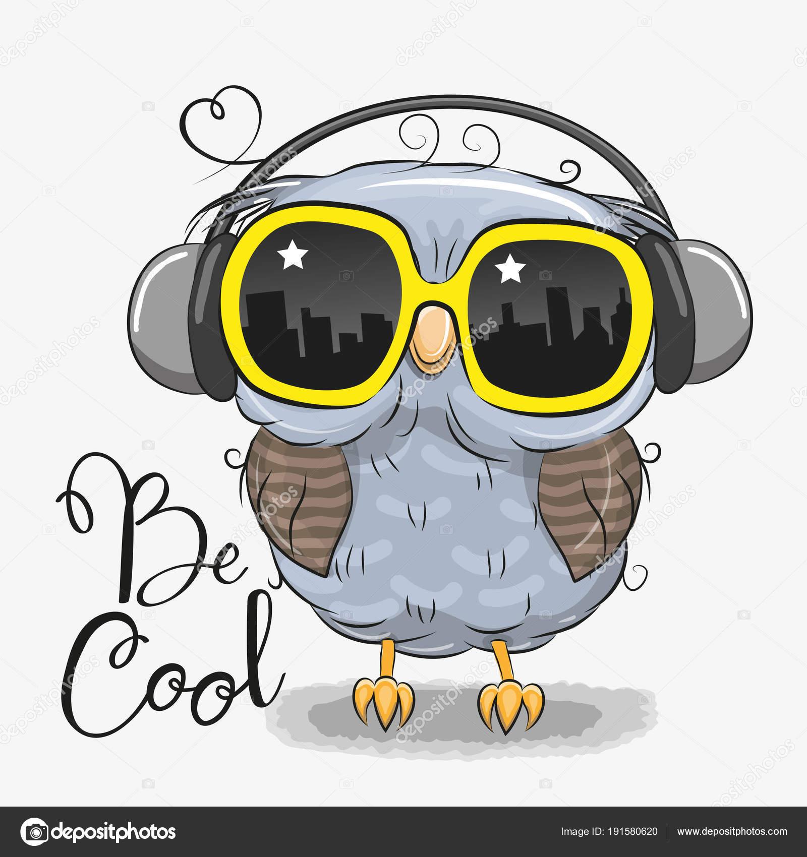 Süße Eule mit Sonnenbrille — Stockvektor © Reginast777