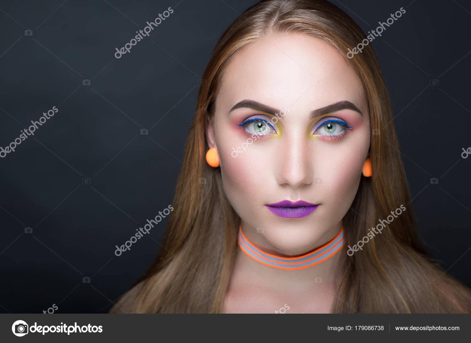 Luxury professional makeup. Bright style purple violet shiny lipstick. Sexy body shoulders. New Horizontal photo gray dark background — Photo by OlgaOsa