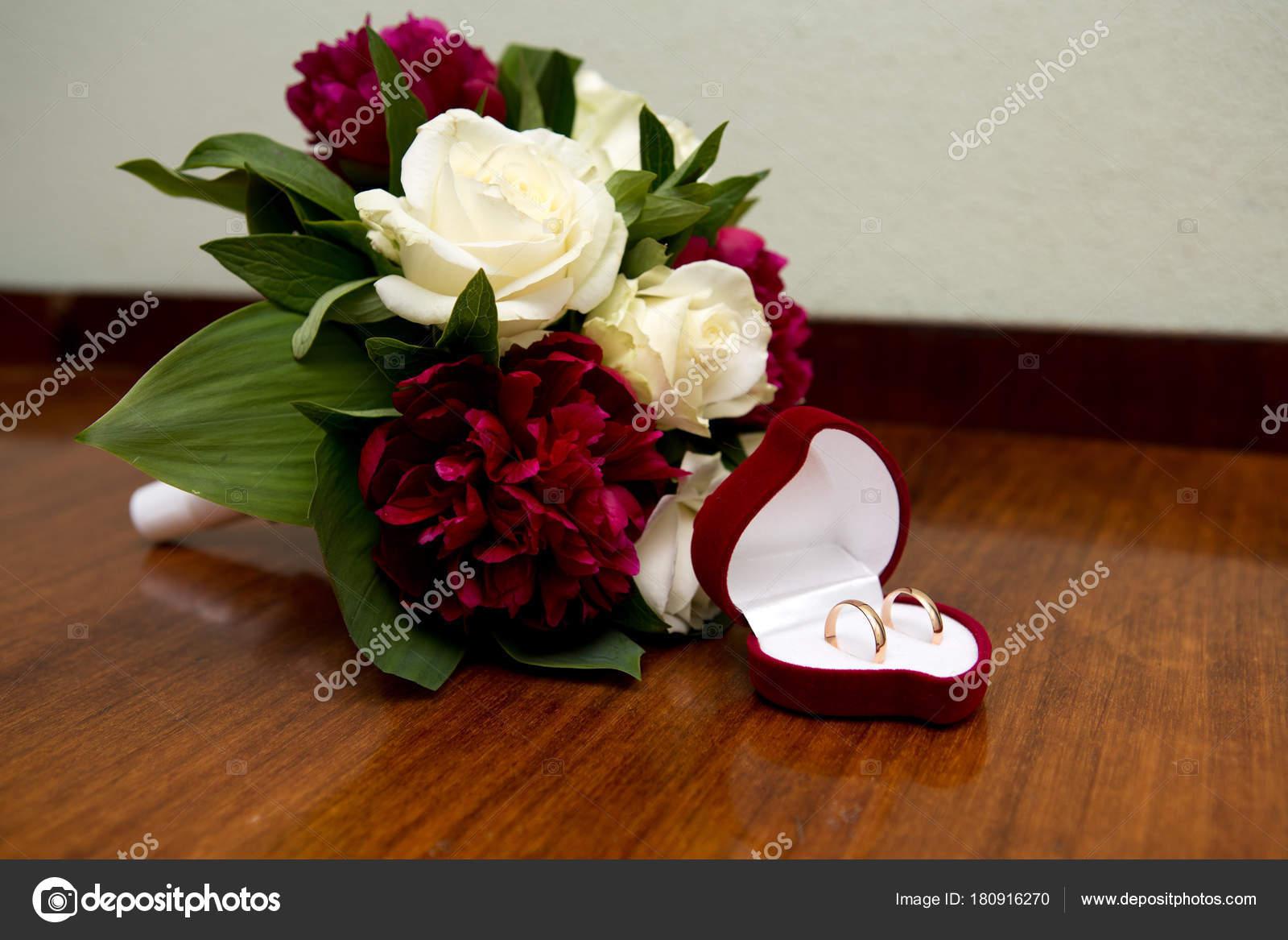 Big Flower Bouquet Stock Photo Olgaosa 180916270
