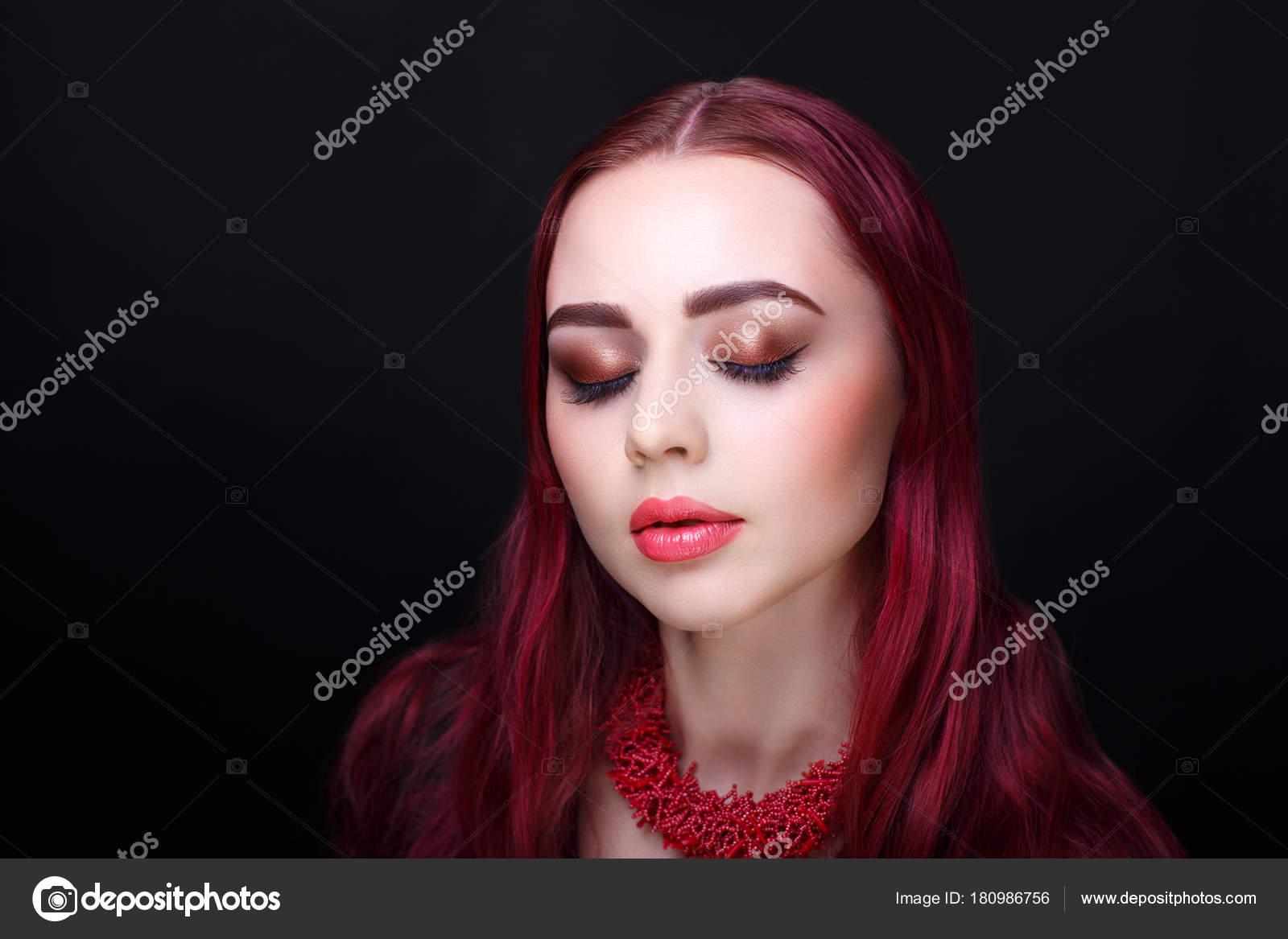 Frau Rote Haare Stockfoto Olgaosa 180986756