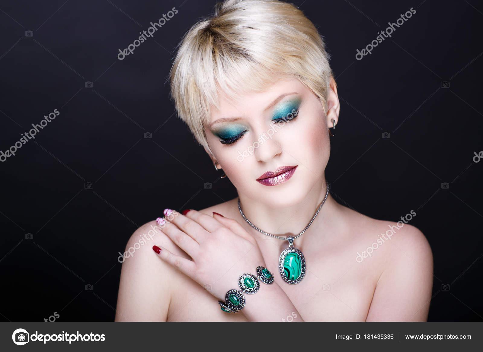 Sexy hrdlem obrázek